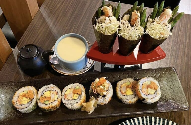 Difference Between Roll and Hand Roll Sushi